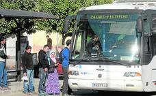La frecuencia del autobús urbano de La Palma se reduce de trece a cuatro viajes diarios