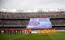 Último homenaje del Camp Nou a Quini