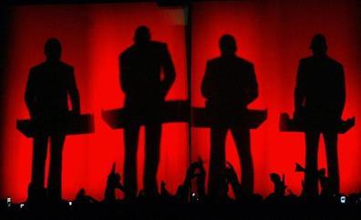 Kraftwerk y Elvis Costello actuarán en las Noches del Botánico de Madrid