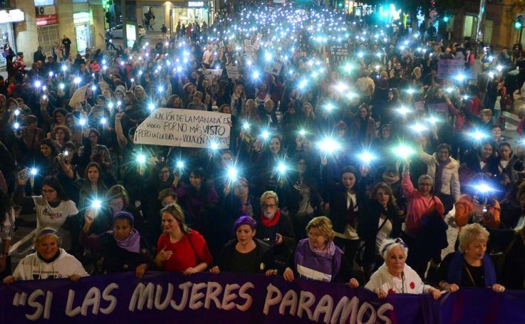 Masiva marcha en Murcia por la igualdad y contra el machismo