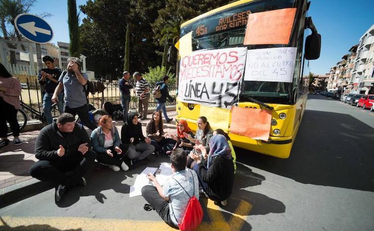 Protestas en Murcia contra la supresión de las líneas 45 y 18