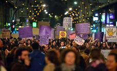 PSOE y Podemos piden al Gobierno que reaccione tras el éxito del 8-M