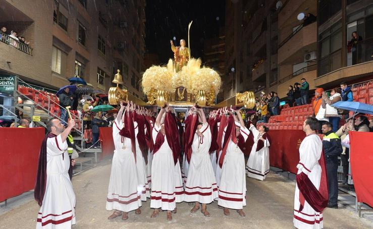 San Juan desafía a la lluvia en Lorca