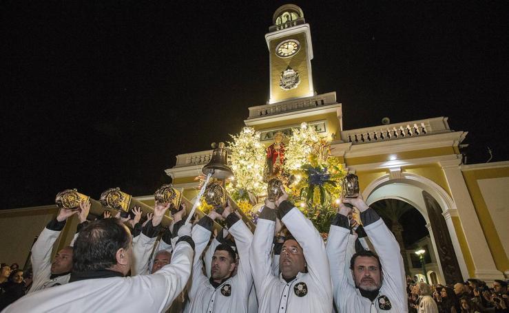 Las autoridades veneran a los apóstoles en Cartagena