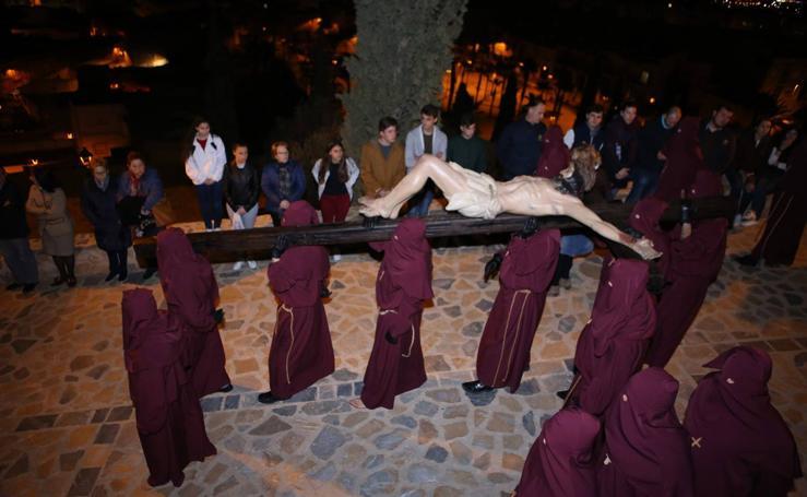 Austeridad en la bajada del Crucificado en Lorca