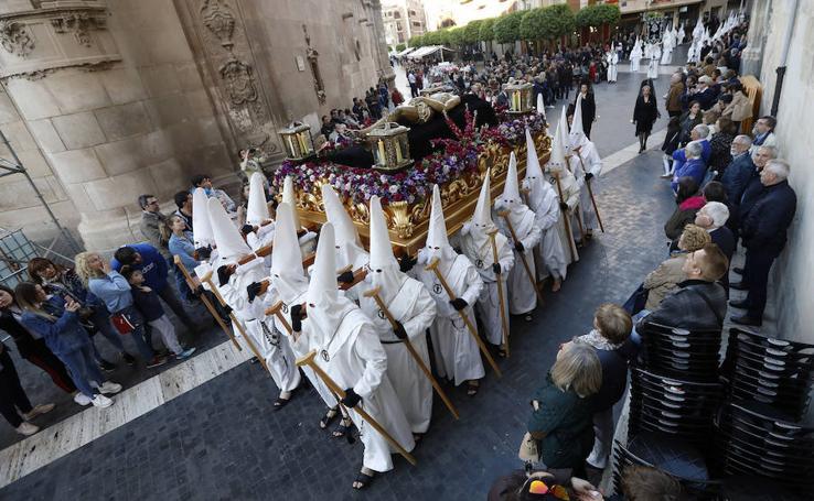 El Yacente teje las últimas puntadas a la Pasión en Murcia