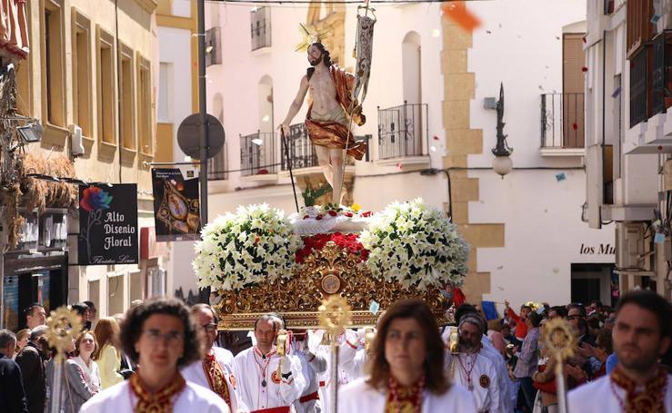 'Aleluyas' al paso del Resucitado en Lorca