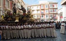 El Resucitado y la Virgen celebran el aniversario de la Hermandad Blanca