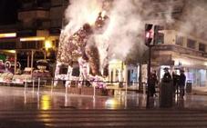 La juez no puede acreditar por el momento que el incendio de la escultura floral fuera intencionado