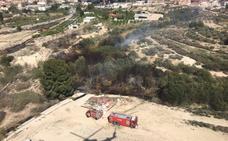 Controlado el incendio forestal que ha afectado a ambos márgenes del río Mula