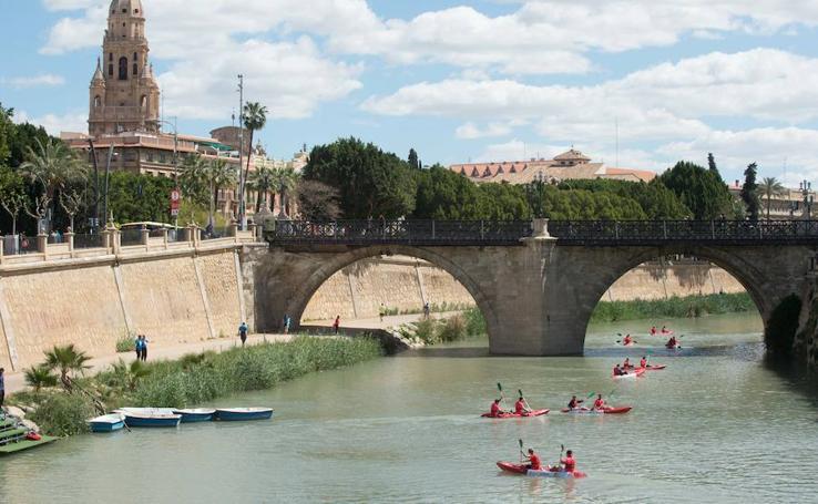 Los escolares serán pioneros en disfrutar del Segura en piragua al paso por Murcia
