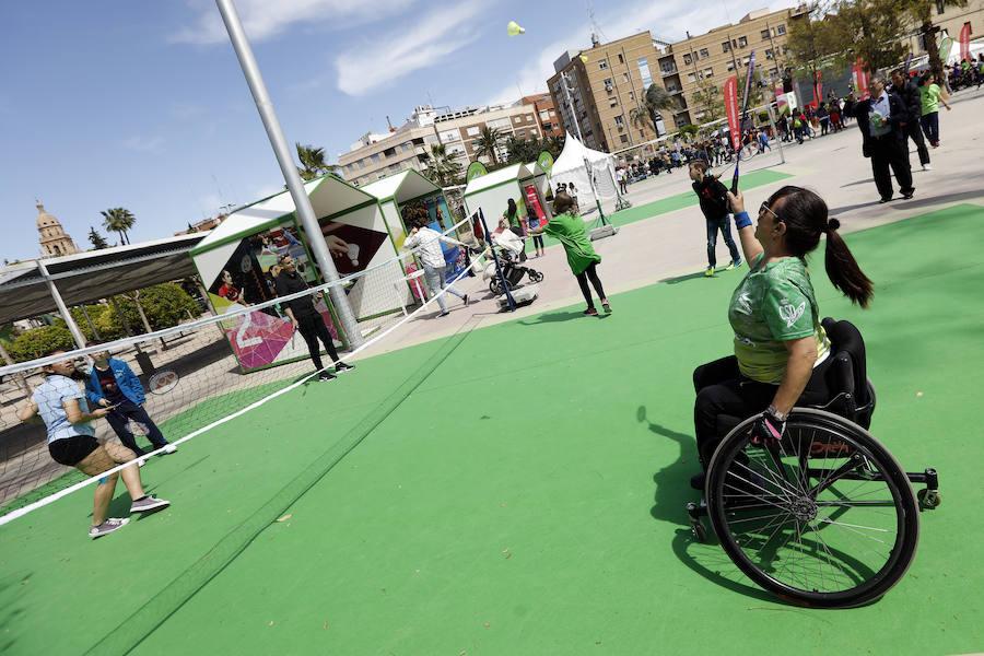 Miles de personas participan en el primer Tour 'Mujer, Salud y Deporte' en Murcia