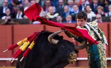 El Juli se va de Sevilla con cuatro orejas y un indulto