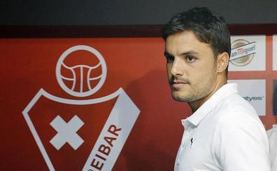 Pedro León renueva con el Eibar hasta 2020