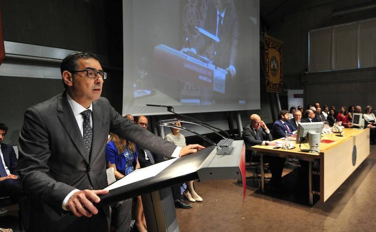 Luján toma posesión como rector de la UMU