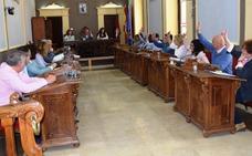 El Pleno saca adelante las cuentas con la abstención del PP y el Grupo Mixto