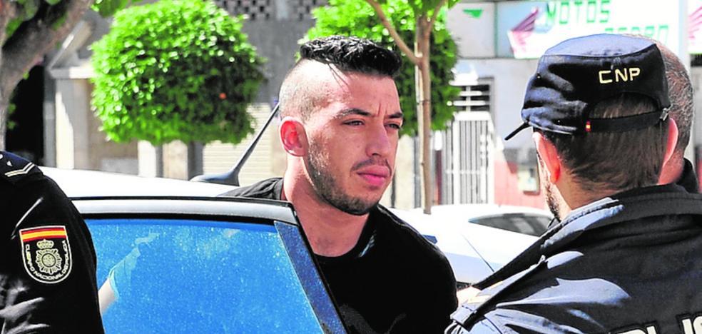La Guardia Civil analiza más de 60 huellas halladas en la casa del crimen de Las Torres