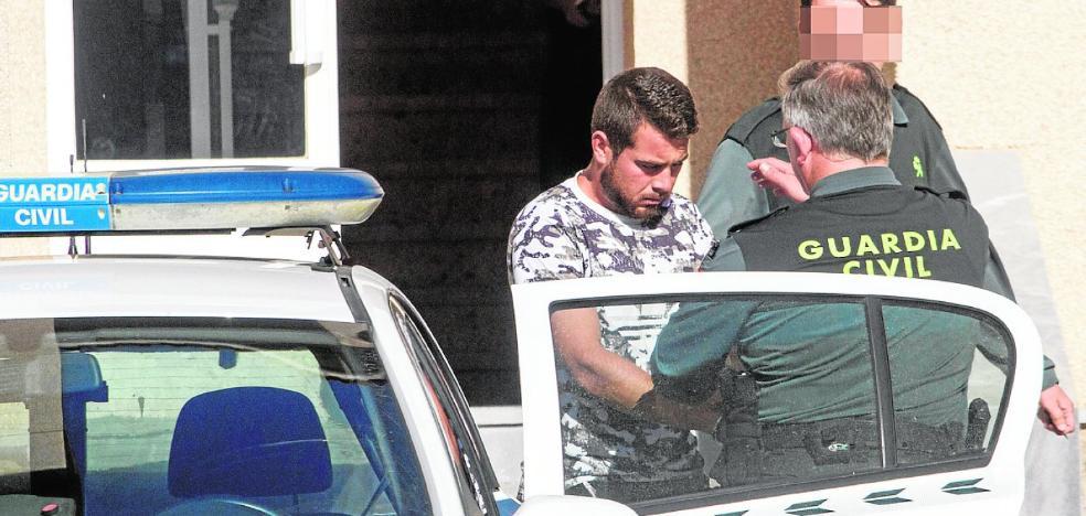 A prisión por su presunta implicación en la muerte de un vecino de San Pedro