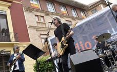 Las calles de Murcia también bailan con el WARM UP