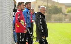 El Lorca FC quiere salir con la cabeza alta del Carlos Tartiere