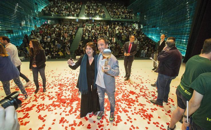 Cristina Fernández Cubas y Álvaro García reciben sus premios