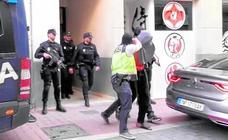 El yihadista detenido en Lorca maltrataba a su pareja para convertirla