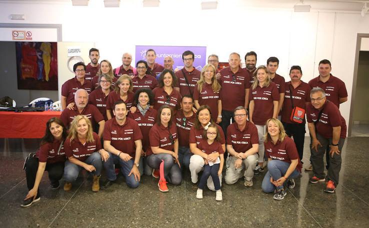 Reparto de dorsales y voluntarios de la VIII Corre X Lorca