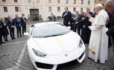 El Papa vende su Lamborghini a una empresa de Murcia