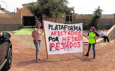 La protesta de los padres del Llano ante Tejerina