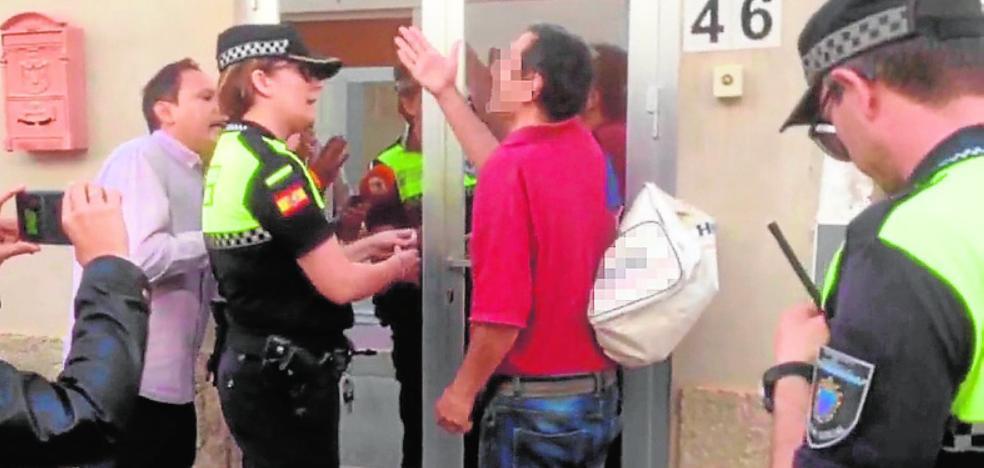 Máxima tensión en el regreso del acusado a la 'casa de los horrores'
