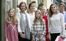 Las reinas Letizia y Sofía, unidas por las pequeñas de Palacio