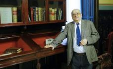 Federico Corriente reclama «más empatía con Oriente» en su ingreso en la RAE