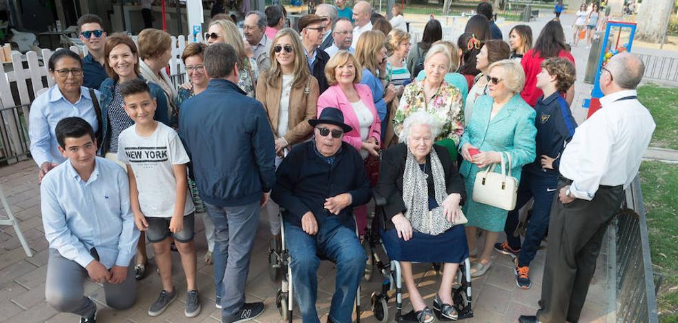 La murciana Dolores Nicolás cumple 105 años arropada por cuatro generaciones