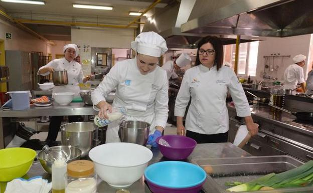 Fp De Cocina | Impulso A La Fp Basica Para Reconducir A Los Alumnos Que Abandonan