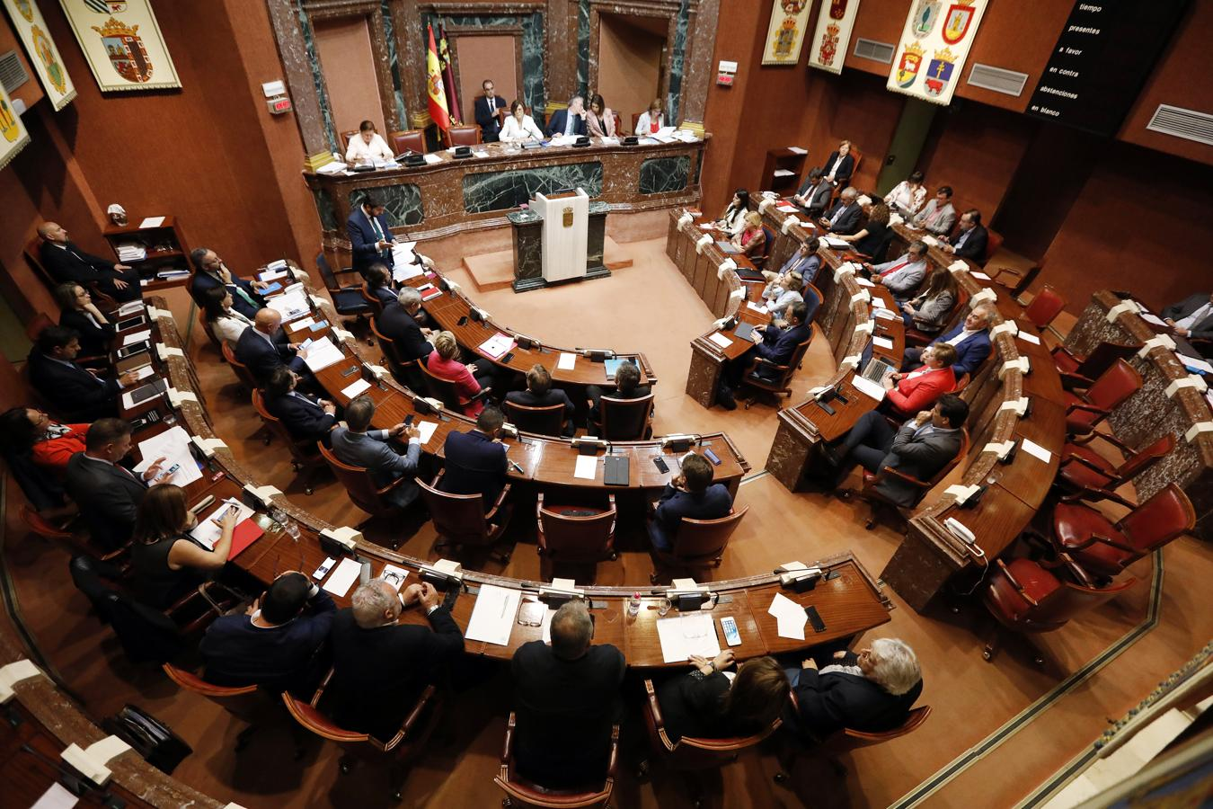 Podemos abandona el Pleno por no poder preguntar a Miras si hay relación entre el PP murciano y la 'Gürtel'
