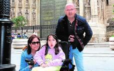 Educación asume el deseo de una joven con una patología rara de ir al IES Diego Tortosa de Cieza