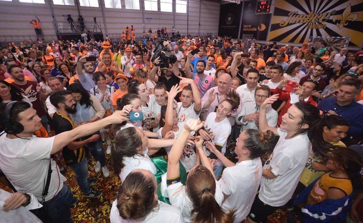 El Jimbee conquista la Liga de fútbol sala femenino tras vencer al Universidad de Alicante (4-2)