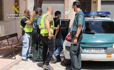 Detenidos por cometer más de una veintena de robos en cementerios de Murcia
