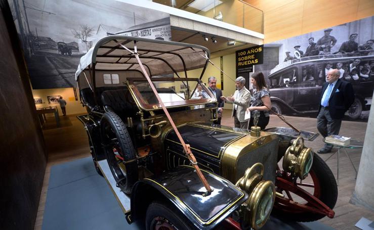 El Archivo recorre cien años de historia del automóvil en la Región