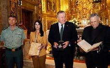 La Guardia Civil recupera una cruz pectoral de la Fuensanta del tesoro robado en 1977