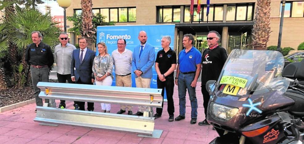 Fomento instala dobles biondas en 26 kilómetros de carretera para proteger a los motoristas