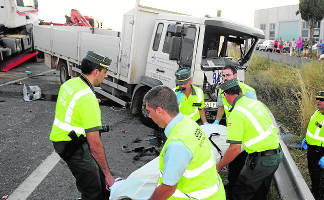 Absuelven a los gerentes de una empresa por el atropello mortal de dos camioneros