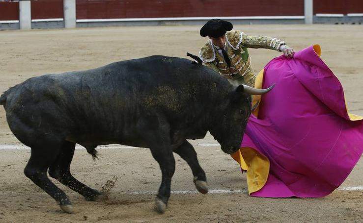 La espada impide a Ureña un gran triunfo en Madrid
