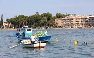 La transparencia del Mar Menor alcanza casi 5 metros y baja el nivel de turbidez y clorofila