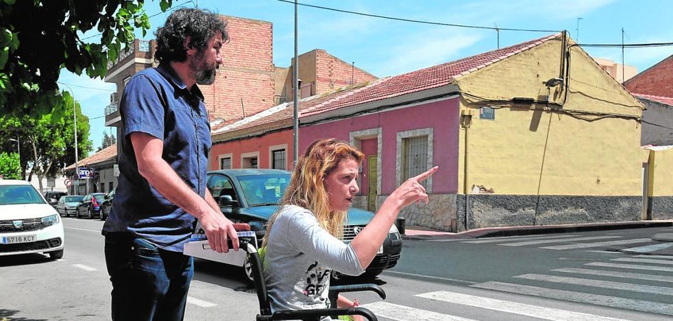 «Con tres hijos y 200 euros 'pa' comer, dime tú»
