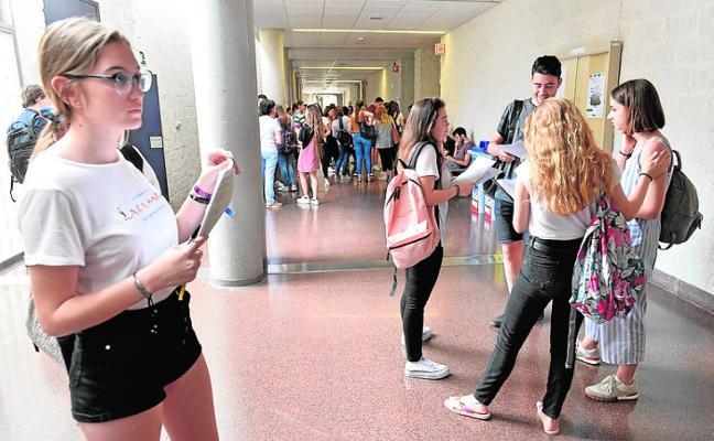 Más de 700 alumnos se incorporan a la Selectividad para subir la nota final