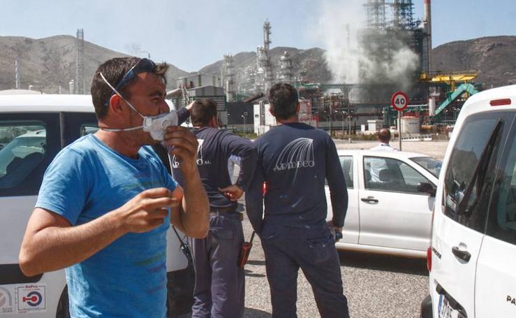 Un escape de vapor con hidrocarburos activó la alerta en Escombreras