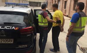 Ingresa en prisión por trasladar inmigrantes de Argelia a Cabo de Palos en patera