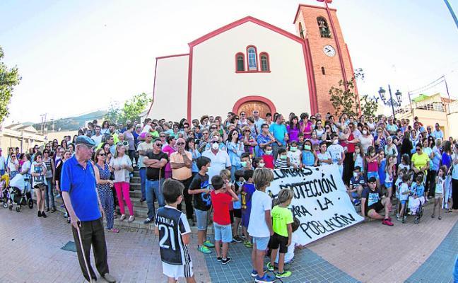 Protesta vecinal para exigir información y un aumento de las medidas de seguridad