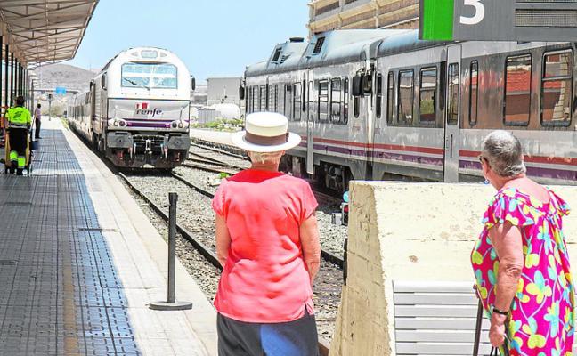 Nuevas quejas por suspensiones y retrasos en el tren de Madrid